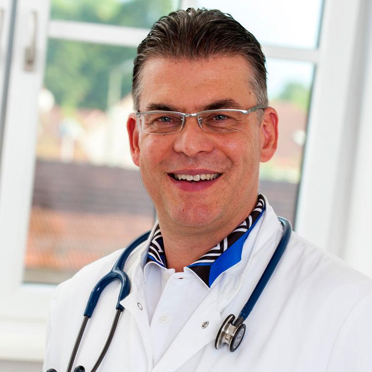 Dr. Aleksandar C. Milutinovic - Facharzt für Innere Medizin